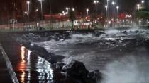 İstanbul'da Kuvvetli Rüzgar Etkisini Sürdürüyor