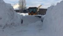 Kar, Karlıova'da Öğrencilere 12 Gün Tatil Yaptırdı