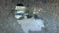 Kars'ta Termometreler Eksi 28'İ Gördü, Nefesler Bile Dondu