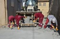 YOL ÇALIŞMASI - Kuşadası Belediyesi 1 Milyon 365 Bin Metrekare Yol Yaptı