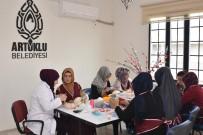 GENÇ KIZ - Mahalle Konaklarında Kadınlar Meslek Ediniyor