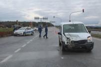 Ayvalık'ta Saniye Saniye Kaza Açıklaması 2 Yaralı