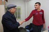 OMURİLİK - Başkan Yaşar Engelli Çocukları Ziyaret Etti