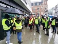 KAMYON ŞOFÖRÜ - Belçika'da Sarı Yeleklilerin Eylemi Sessiz Geçti