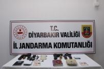 EL BOMBASI - Diyarbakır'da 2 Terörist Etkisiz Hale Getirildi