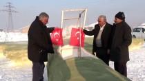 SEYİT ONBAŞI - Kardan Savaş Uçağı Yaptı