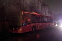 HALKALı - Park otobüs alev alev yandı