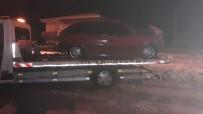 Otomobil Refüje Çıktı Açıklaması 2 Yaralı