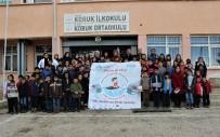 Üniversite Öğrencileri 3 Bin Kitap Topladı, Köy Okuluna Bağışladı