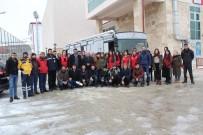 Üniversiteli Gençler, Kan Bağışında Bulundu