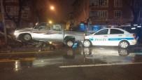 ÖMER HALİSDEMİR - Başkent'te Hırsız Polis Kovalamacası Kaza İle Bitti