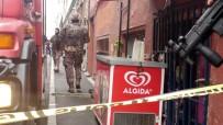 KOCAMUSTAFAPAŞA - Fatih'te Silahla İntihara Teşebbüs Eden Vatandaşı Polis Ekipleri Kurtardı