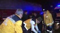 OSMAN SARı - Kazazedeye Yardıma Gidenlere Otomobil Çarptı Açıklaması 2 Ölü, 3 Yaralı