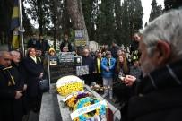 DİVAN KURULU - Lefter Küçükandonyadis Mezarı Başında Anıldı