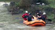 Raftingcilerden Antrenman Sonrası Doğum Günü Kutlaması