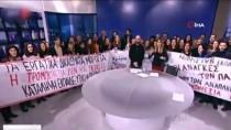 DEVLET TELEVİZYONU - Sendikacılar, Yunanistan Devlet Televizyonunu Canlı Yayında Bastı