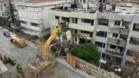 GÜVENLİK ÖNLEMİ - Büyükçekmece'de Yerinde Dönüşüm Kapsamında Yıkılan Bina Havadan Görüntülendi