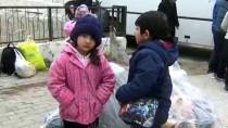 Fırtınada Botları Sürüklenen Göçmenleri Sahil Güvenlik Kurtardı