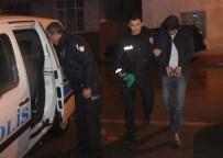 SELAHATTIN EYYUBI - Hırsızlık İçin Girdikleri Evden Kaçmak İsterken Polise Yakalandılar