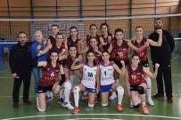 İdman Yurdu Spor, Zonguldak DSİ Voleybol Takımını 3-0 Mağlup Etti