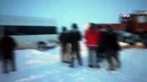 Kara Saplanan Minibüs Kurtarıldı