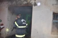 Kullanılmayan Evde Çıkan Yangın Paniğe Neden Oldu