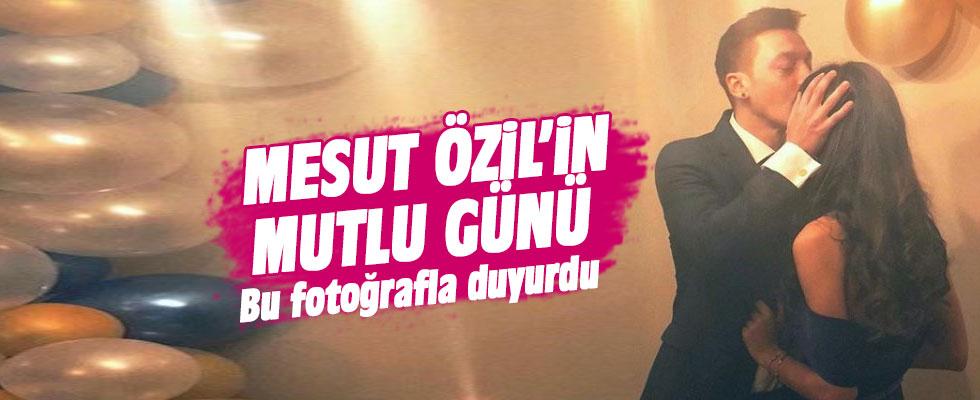 Mesut Özil Amine Gülşe ile nişanlandı
