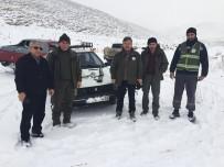 Projektörle Kaçak Tavşan Avı Yapanların Aracına El Konuldu