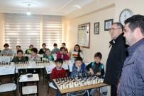 OLIMPIYAT - Satrancın Büyük Ustası Gençlere Eğitim Verdi