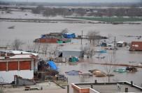 SAĞANAK YAĞIŞ - Sel Suları Bursa'da Durma Noktasına Getirdi