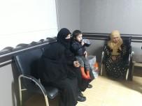 Araçta Mahsur Kalan Suriyeli Sığınmacılar Kurtarıldı