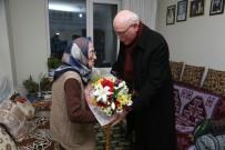 KAZıM KURT - Başkan Kazım Kurt, Sadiye Nineyi Ziyaret Etti
