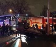 ACIL SERVIS - Başkent'te Zenit Kazan Erkek Voleybol Takımını Taşıyan Otobüs Kaza Yaptı