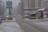 Bozüyük'te Yoğun Kar Yağışı Etkili Oldu