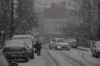 Eskişehir'de Lapa Lapa Kar Yağışı