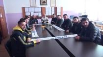 GENEL SEKRETER - Fenerbahçeli İş Adamlarından Öğrencilere Giyecek Yardımı