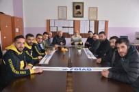 GENEL SEKRETER - Fenerbahçeli İş Adamlarından Öğrencilere Yardım Desteği