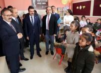 KÜTÜPHANE - GAÜN'lü Öğrencilerden Köy Okuluna Kütüphane