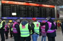 FRANKFURT - Güvenlik Personellerinin Grevi Hava Trafiğini Alt Üst Etti