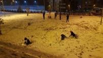 KAMU GÖREVLİSİ - Karabük'te Eğitime Kar Tatili