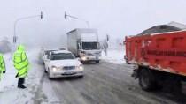 OTOBÜS TERMİNALİ - Kütahya'da Ulaşıma Kar Engeli