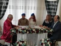 SÖZLEŞMELİ - Nikahına Komando Kıyafetiyle Katıldı