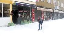 KIŞ MEVSİMİ - Ovacık'ta Kar Kalınlığı 3 Metreye Ulaştı