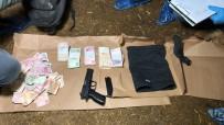 GÜVENLİK KAMERASI - Silahla Banka Soyan Zanlı Yakalandı