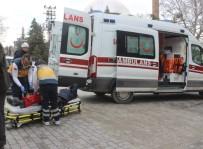 MOTOSİKLET SÜRÜCÜSÜ - Tavşanlı'da Trafik Kazası Açıklaması 1 Yaralı