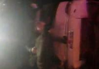 ŞEHİRLERARASI OTOBÜS - Yalova'da Yolcu Otobüsü Devrildi Açıklaması11 Yaralı