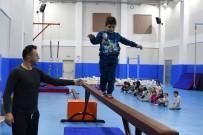 FUTBOL SAHASI - Yunus Emre Spor Tesisleri Sporcuların Gözdesi Oldu