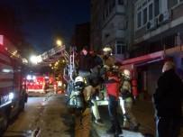 CEZAYIR - 15 Cezayirlinin Yaşadığı Evde Korkutan Yangın