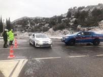 GÜVENLİK ÖNLEMİ - Akseki-Seydişehir Karayolu Trafiğe Kapandı