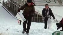 Düzce'de Öğrencilerin Kar Sevinci
